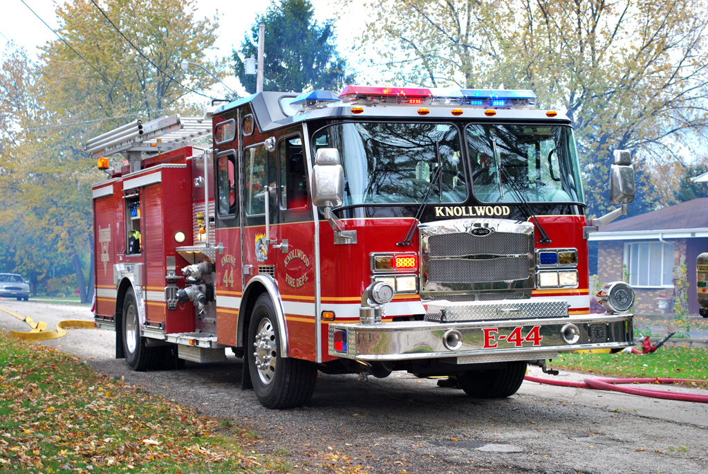 Knollwood FD E-ONE Typhoon engine