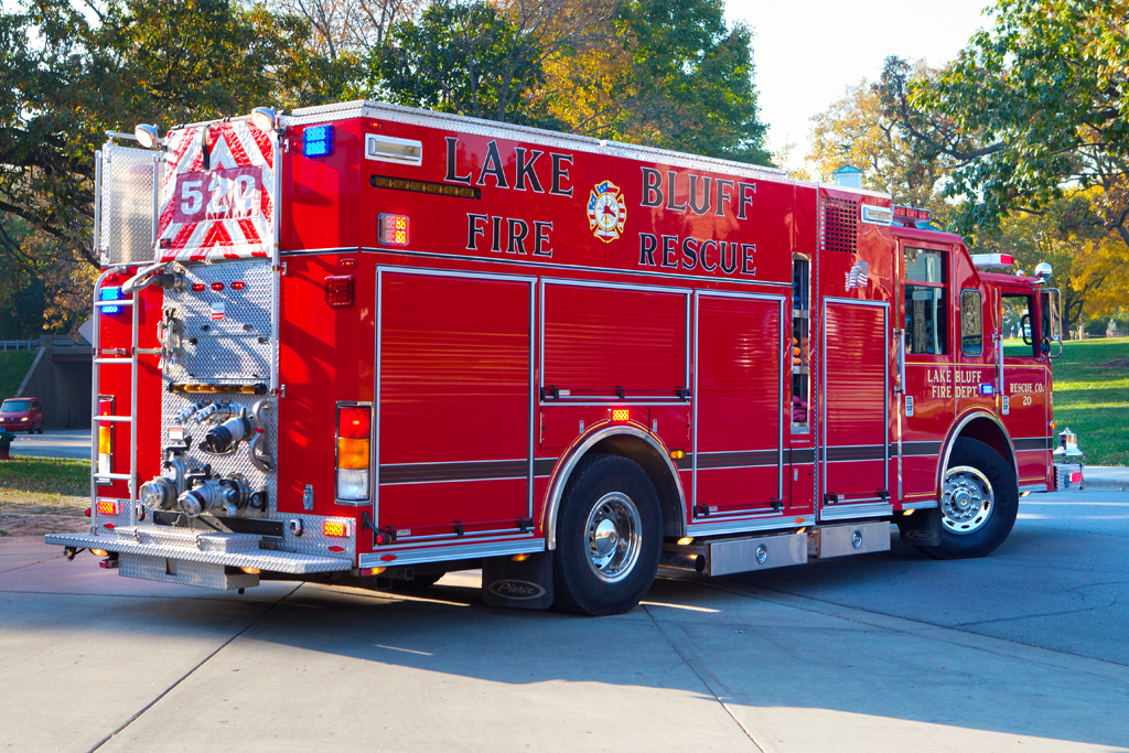 Lake Bluff Fire Department Pierce Saber pumper squad