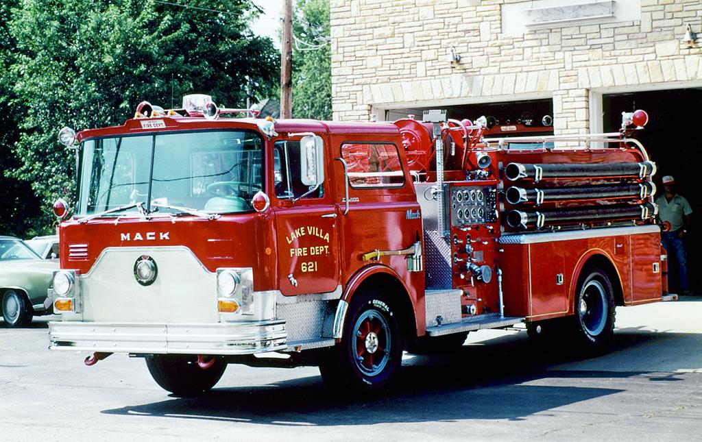 Lake Villa Fire Department 1968 Mack CF engine