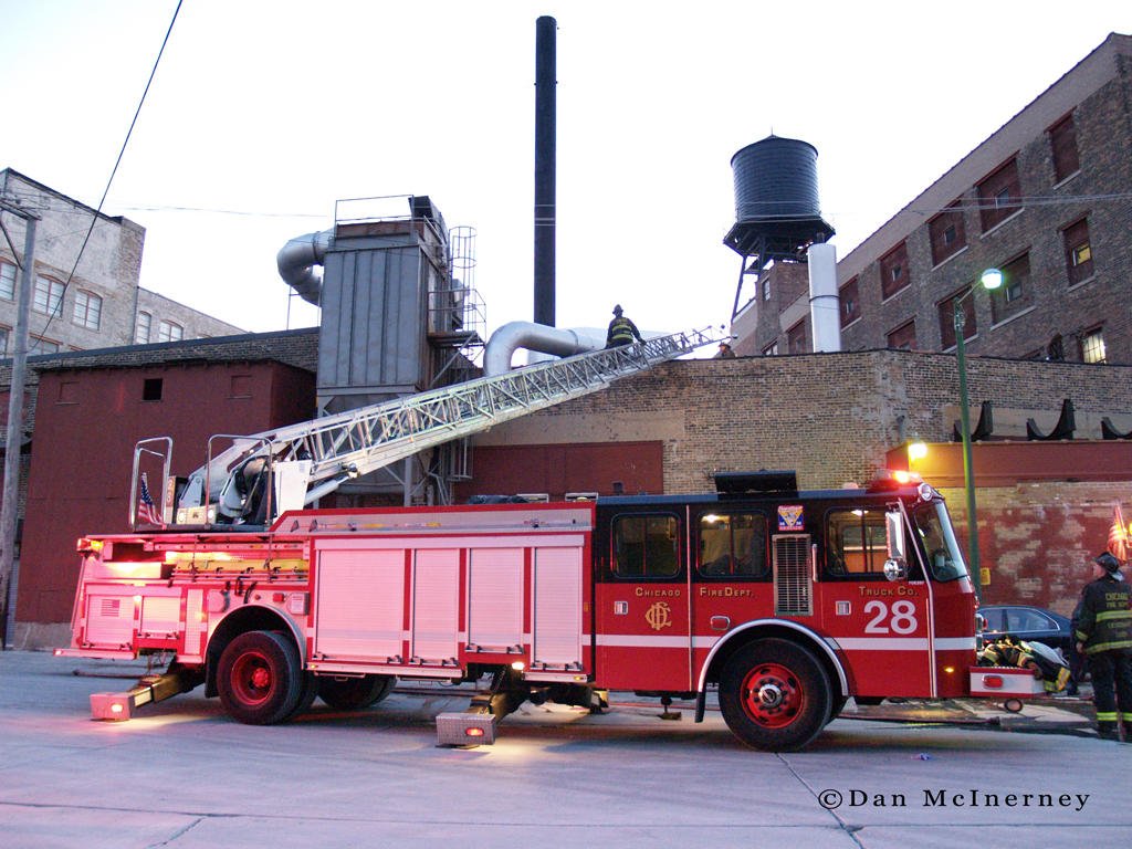 Chicago Fire Department truck 28