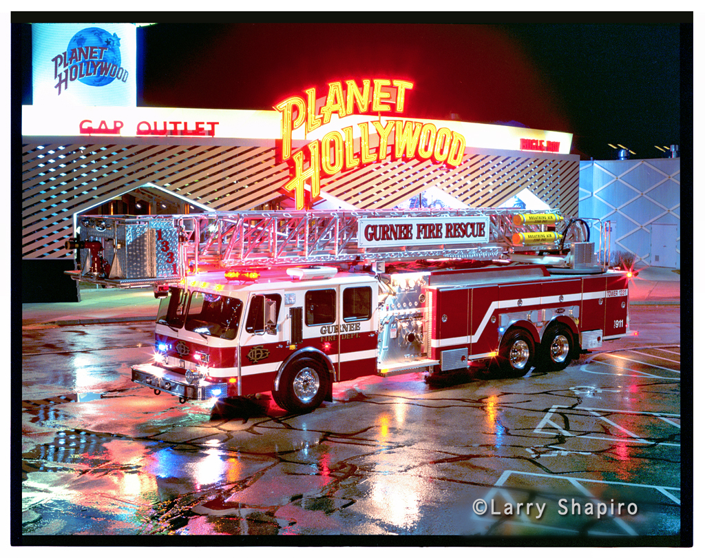 Gurnee Fire Department E-ONE Hurricane 95' tower ladder