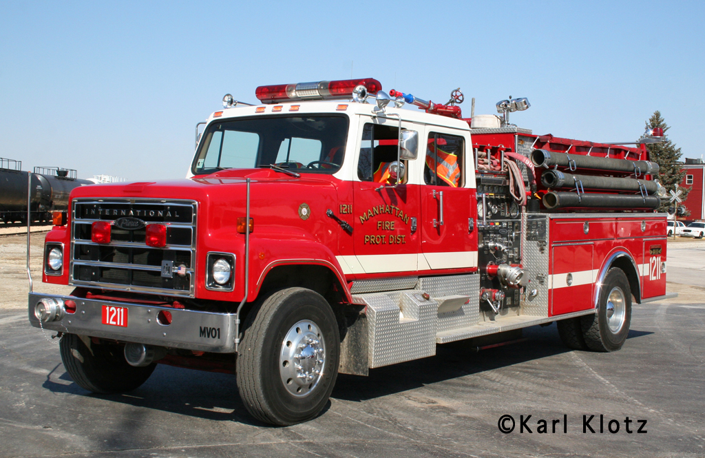 Manhattan Fire Protection District 1984 IHC Pierce engine donated to the Hurst Fire Department