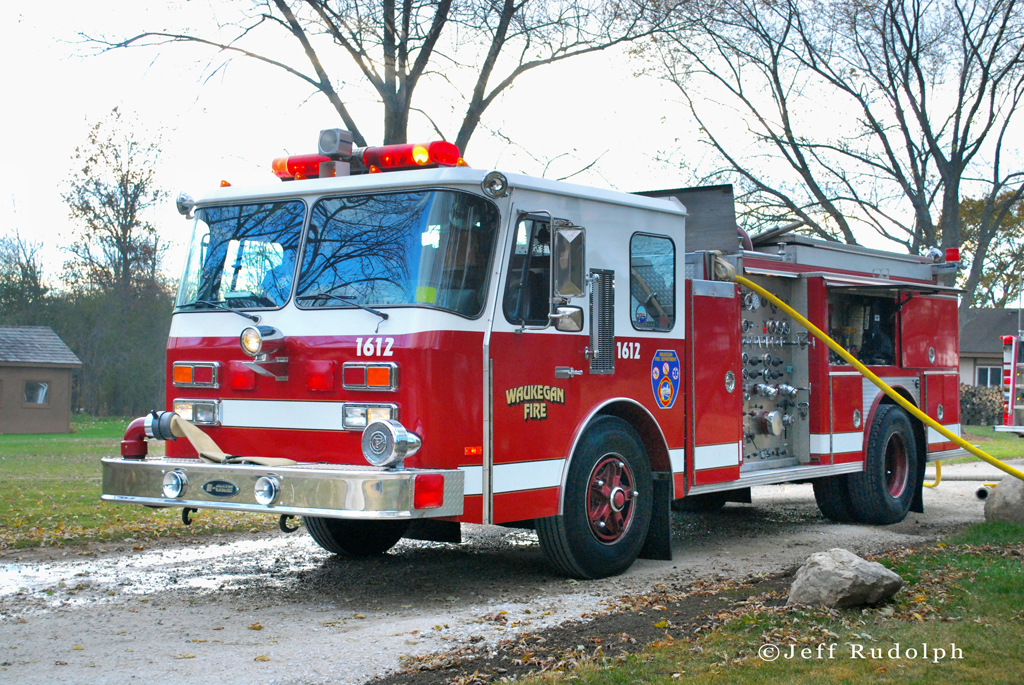 Waukegan Fire Department E-ONE engine 2-11 fire 11-5-10