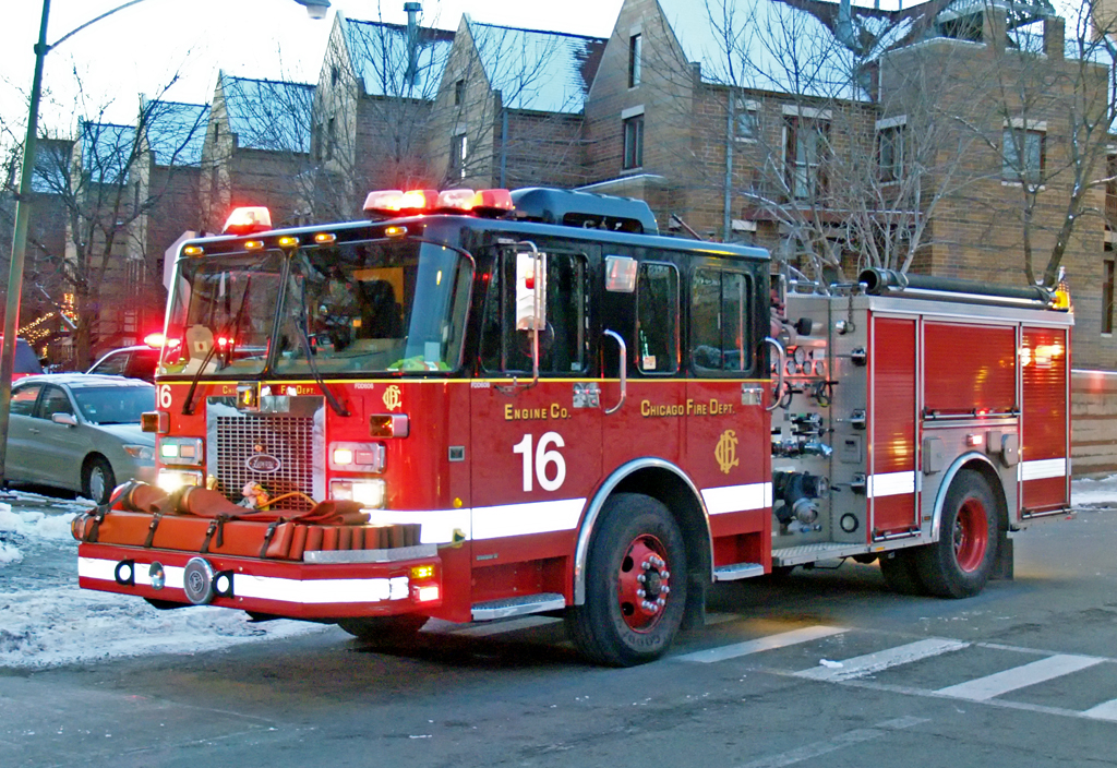Chicago Fire Department Still & Box at 4800 S Lake Park Engine 16
