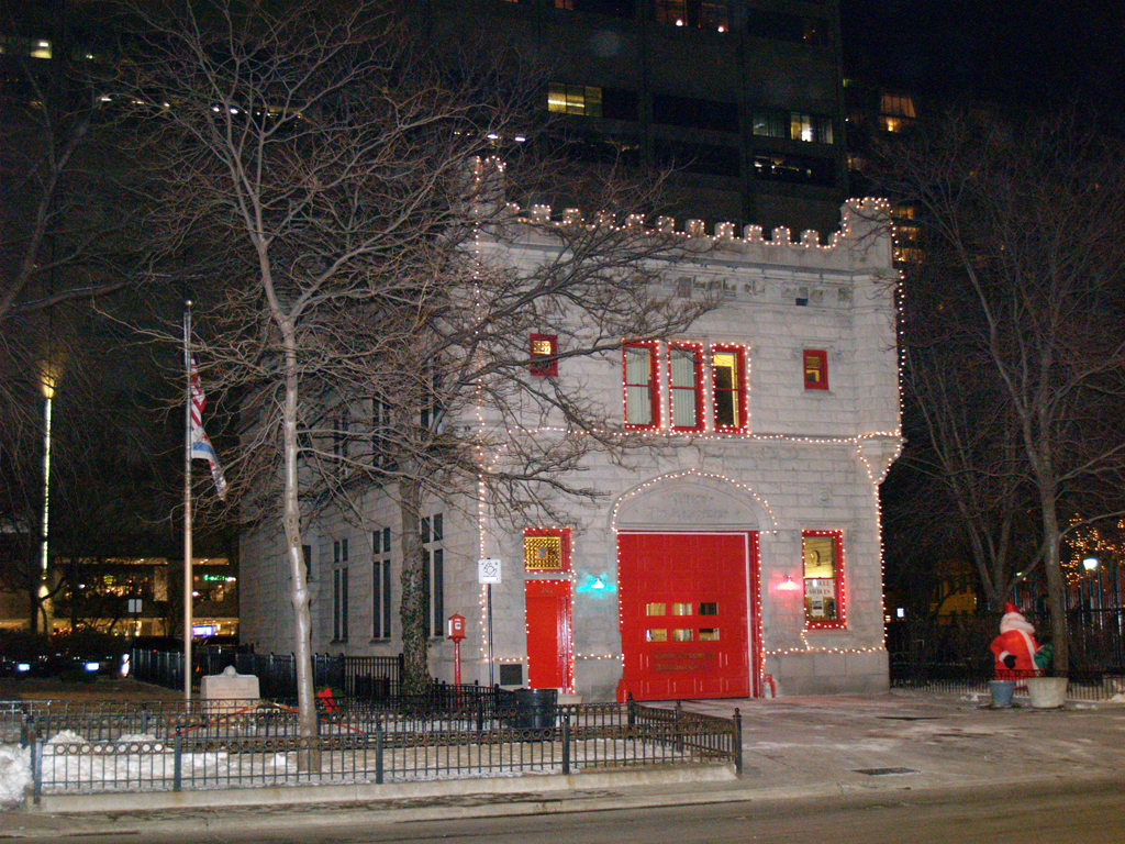 Chicago Fire Department Engine 98 fire station water tower