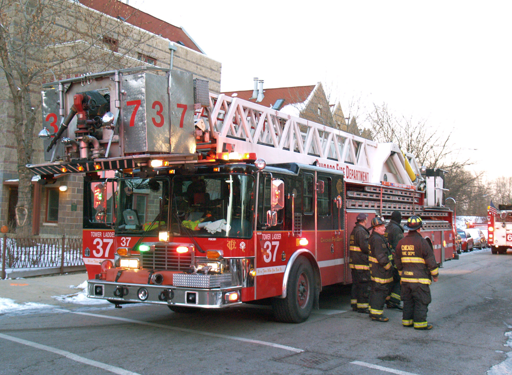 Chicago Fire Department Tower Ladder 37