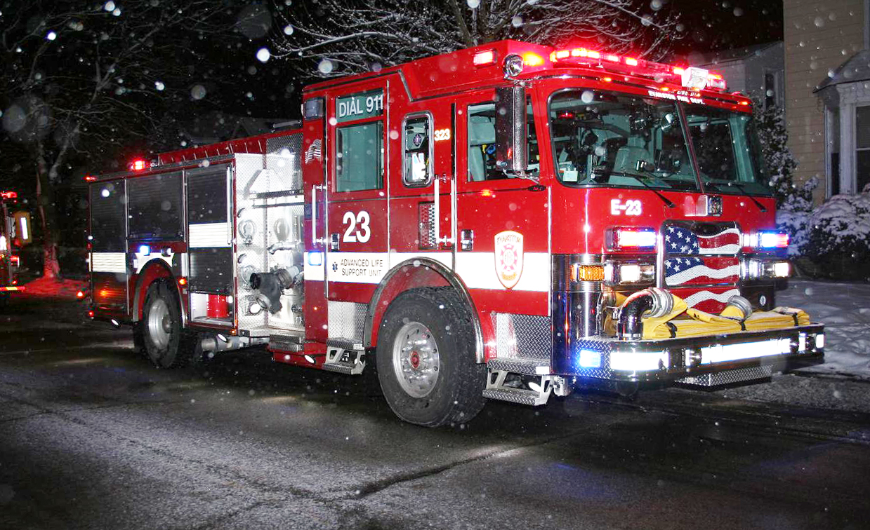Evanston house fire December 25, 2010 at 1809 Laurel Avenue Pierce Arrow XT engine