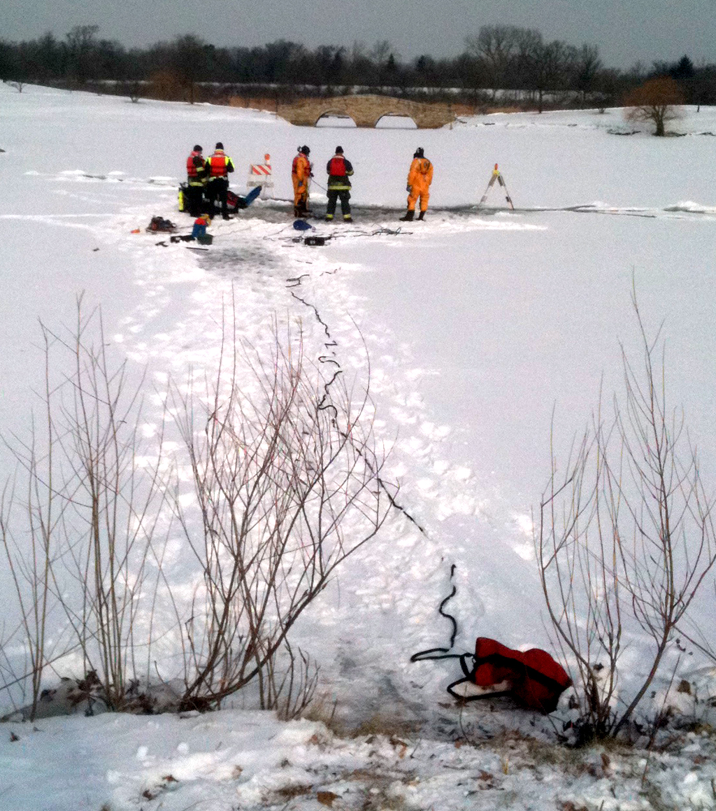 Lisle-Woodridge FPD winter ice dive drill