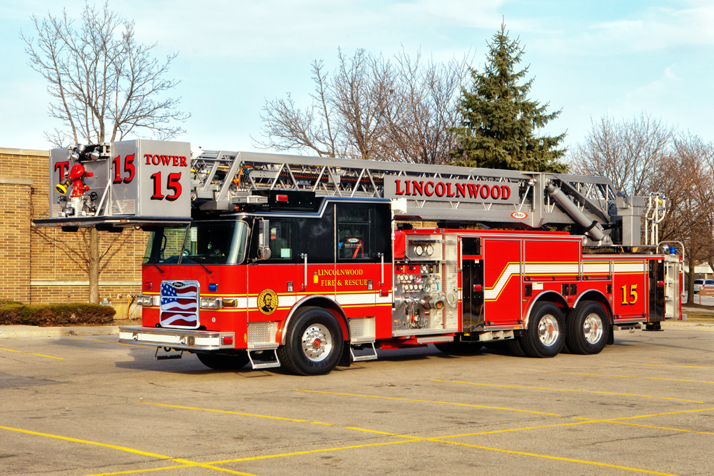 Lincolnwood Fire Department 2011 Pierce Arrow XT tower ladder Tower 15