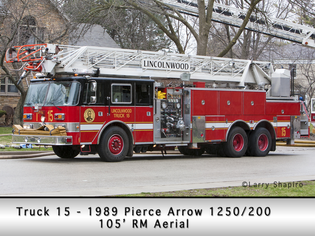 Lincolnwood Fire Department Truck 15 Pierce Arrow ladder