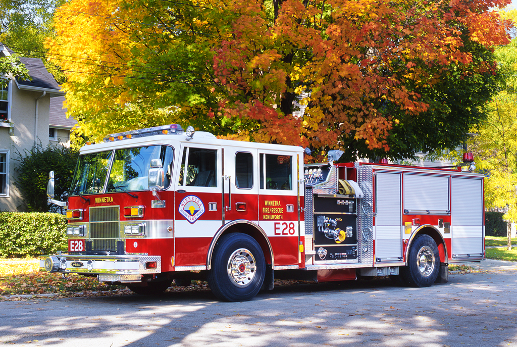 Winnetka Fire Department Engine 28 Pierce Saber
