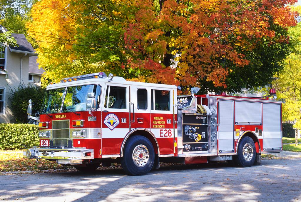 Winnetka Fire Department Engine 28 Pierce Saber