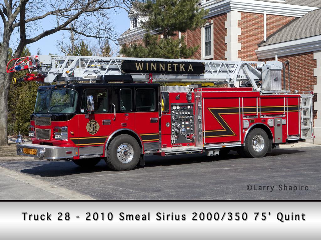 Winnetka Fire Department Truck 28 2010 Smeal Sirius quint