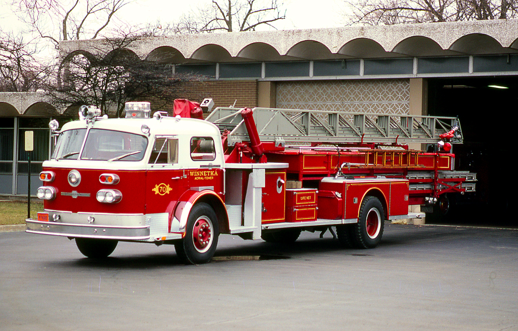 Winnetka Fire Department American LaFrance mid-mount aerial