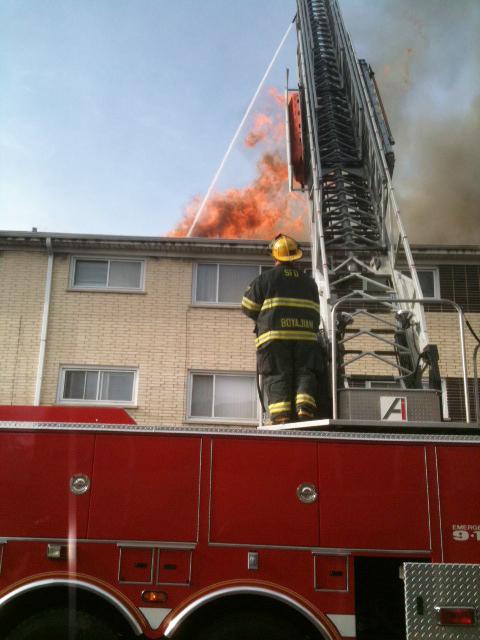 Berwyn 2-11 apartment building fire 4-23-11