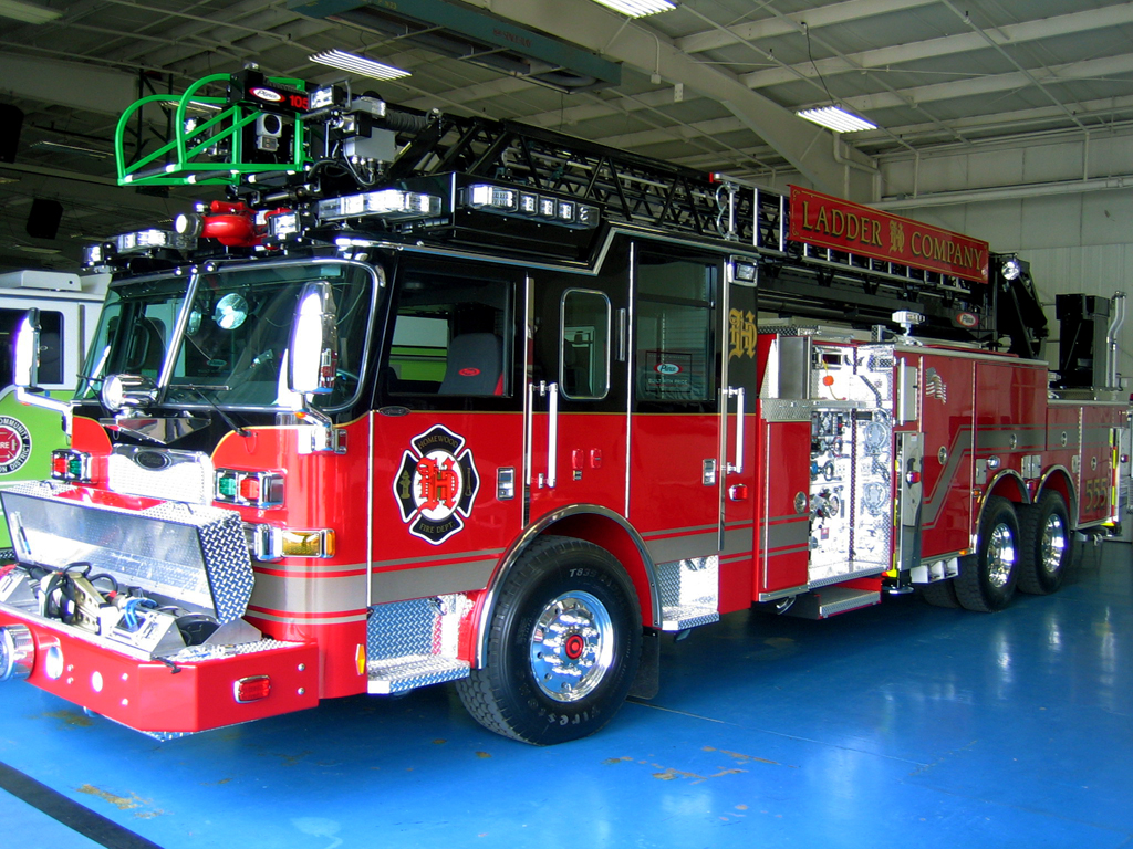 Homewood Fire Department Pierce Arrow XT quint