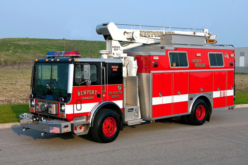 Newport Township FPD Mack MR Saulsbury heavy rescue with crane