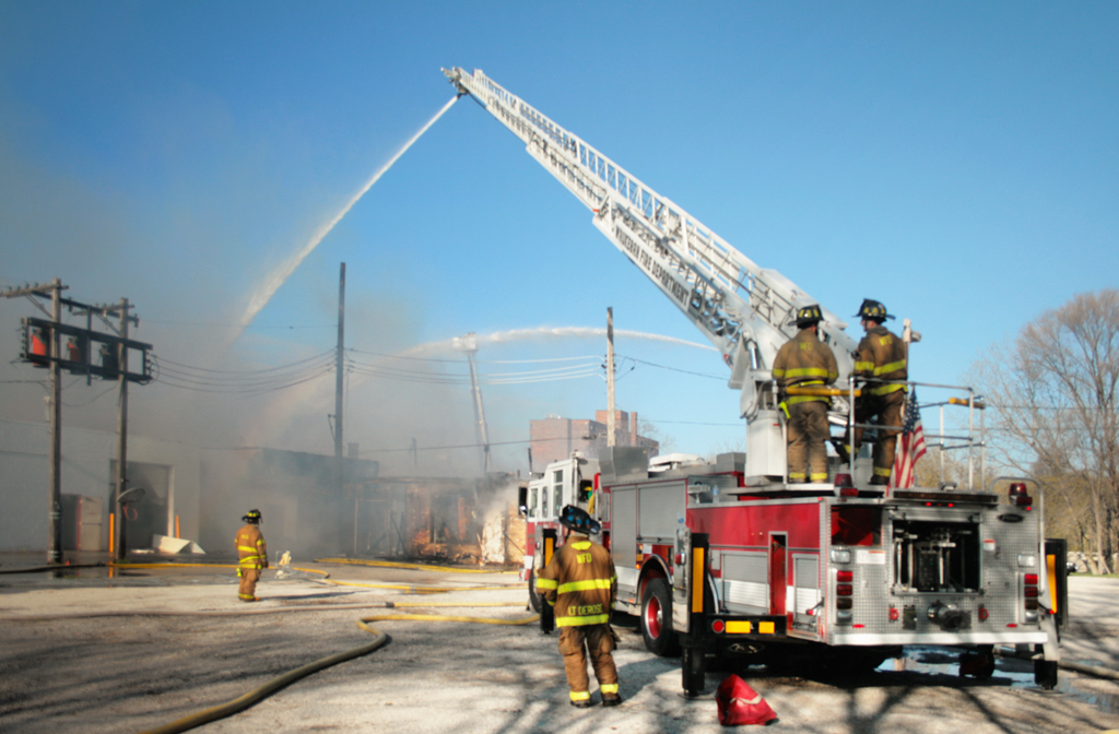 Waukegan Fire Department commercial fire 5-4-11 Genesse Salvation Army
