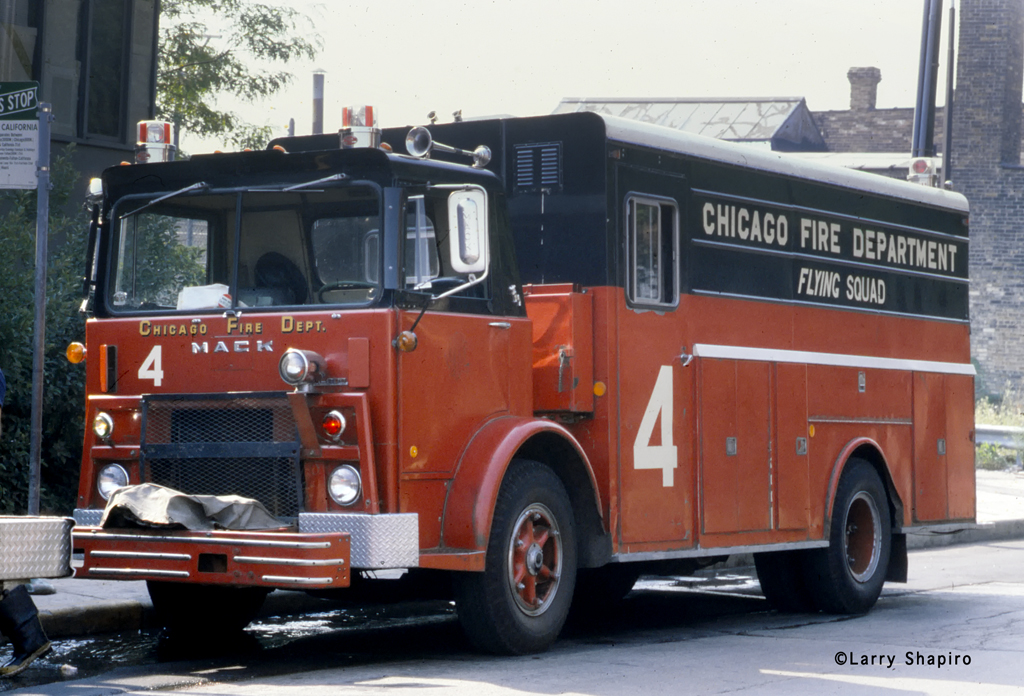 Chicago Fire Department Flying Squad 4 Mack MB Platt