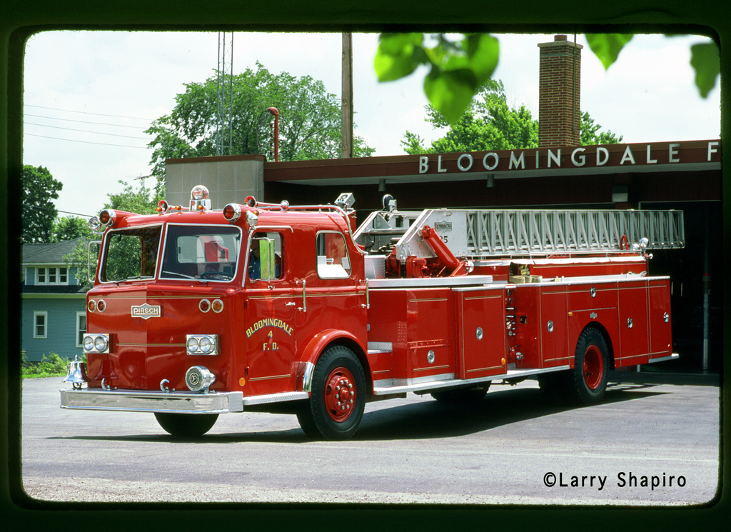Bloomingdale Fire Protection District custom Pirsch mid-mount quint