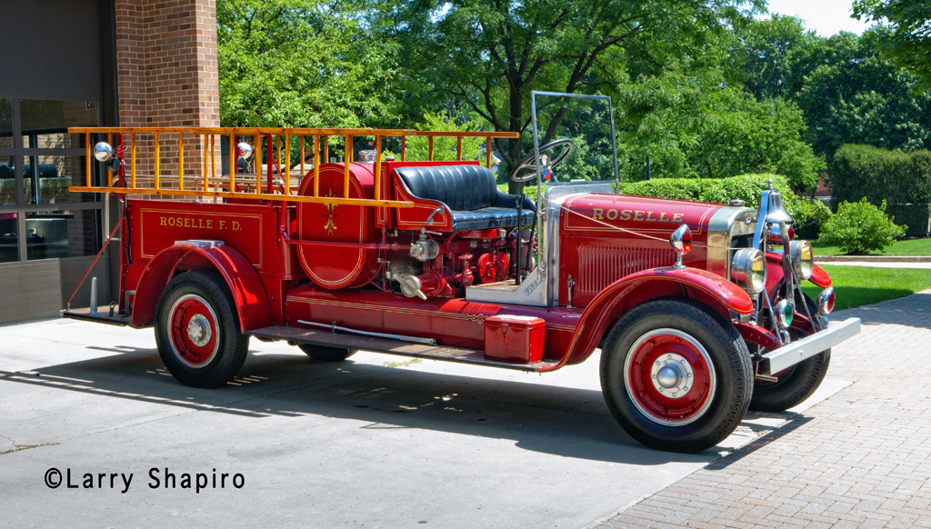 Roselle Fire Department 1927 Pirsch Type S pumper