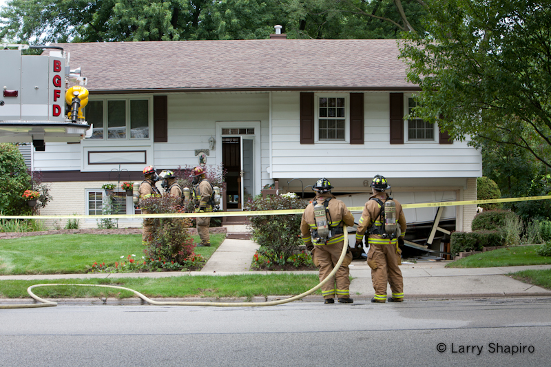 Buffalo Grove Fire Department haz mat spill 8-5-11 Bernard Drive