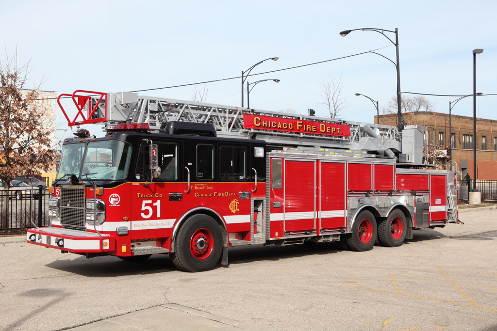 Chicago Fire Department Truck 51 2009 Spartan/Crimson 103' rear mount