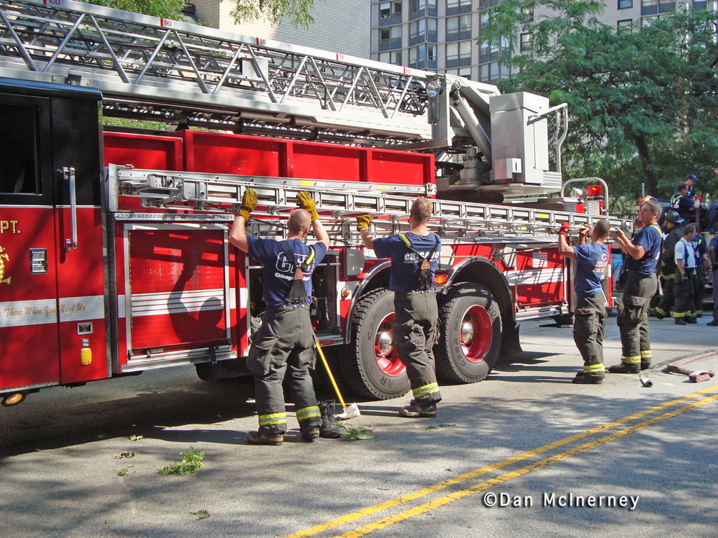 Chicago Fire Department hi-rise fire 5748 SHeridan Road 8-19-11