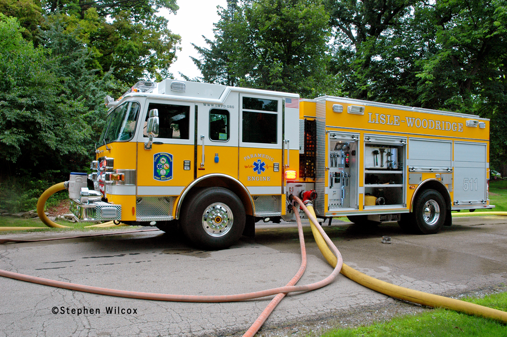 Lisle-Woodridge FPD house fire on Red Oak 7/1/11  Engine 511 Pierce Arrow XT PUC