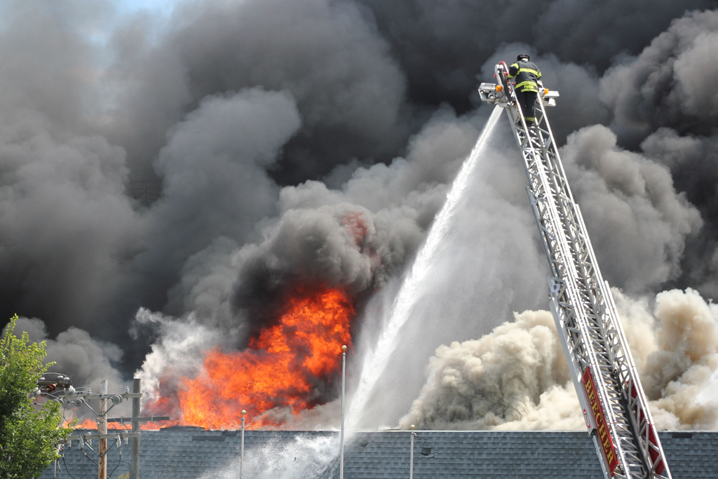 Lowell Indiana 4th alarm fire 8-10-11 Rieter Automotive Beecher FD Truck 405