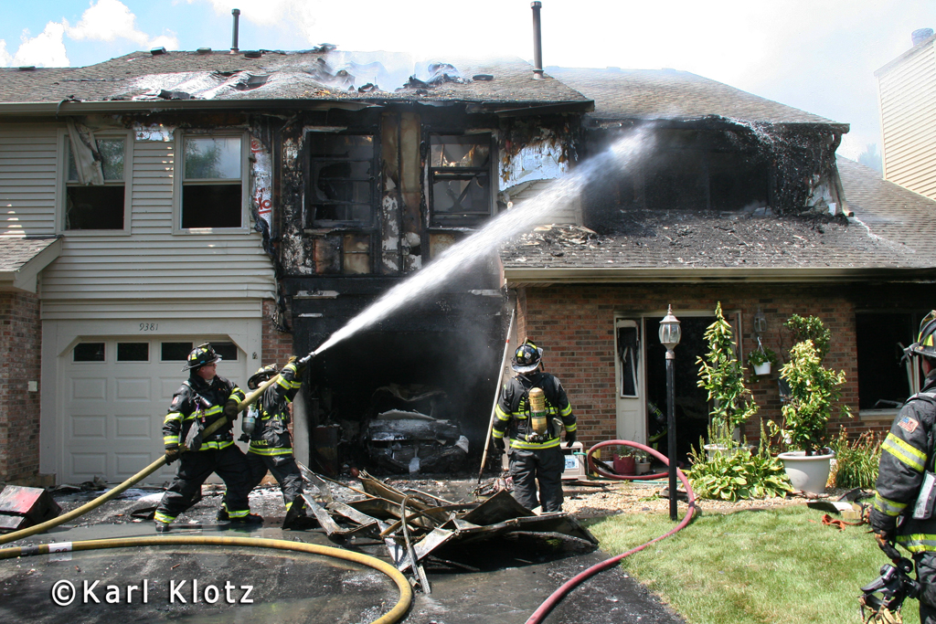 Orland Park townhouse fire on Bradford Lane 8-13-11