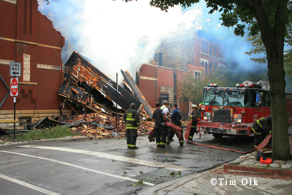 Chicago building fire 525 W. Armitage Avenue 9-16-11