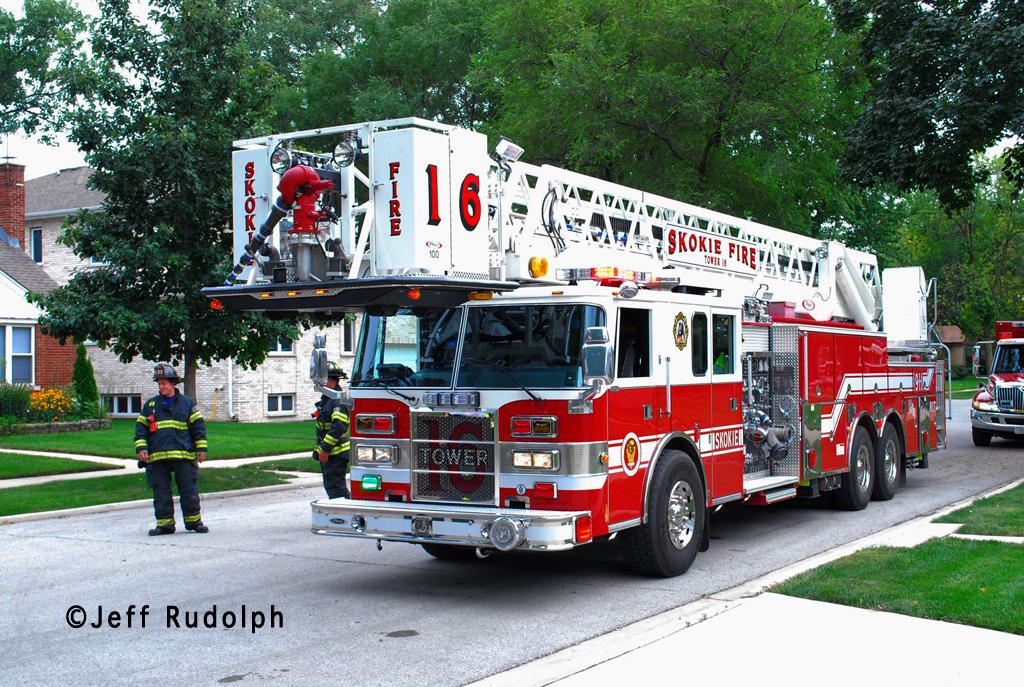 Skokie Fire Department Tower Ladder 16 Pierce Dash tower ladder