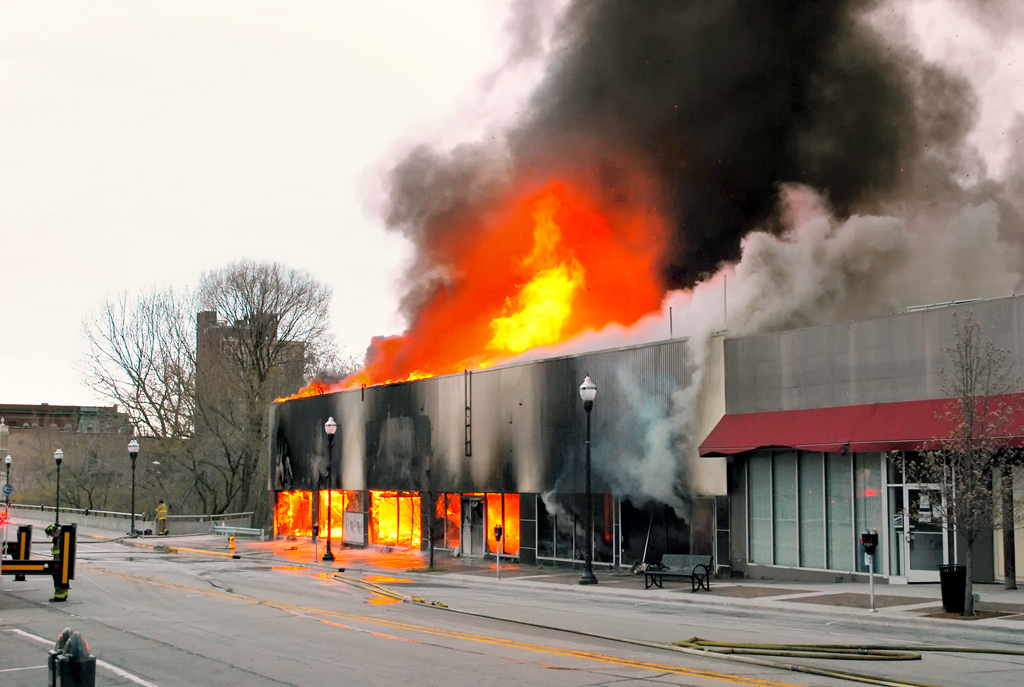 Arson fire at 133 s Genesse in Waukegan May 4, 2011