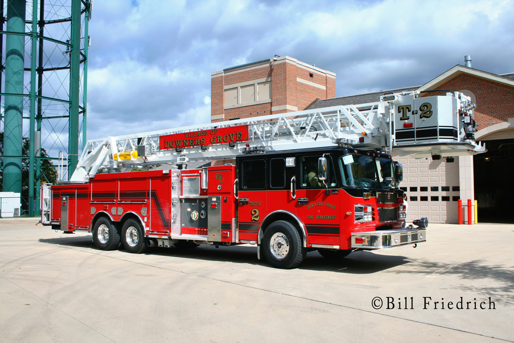 Downers Grove Fire Department Spartan Sirius/Smeal tower ladder