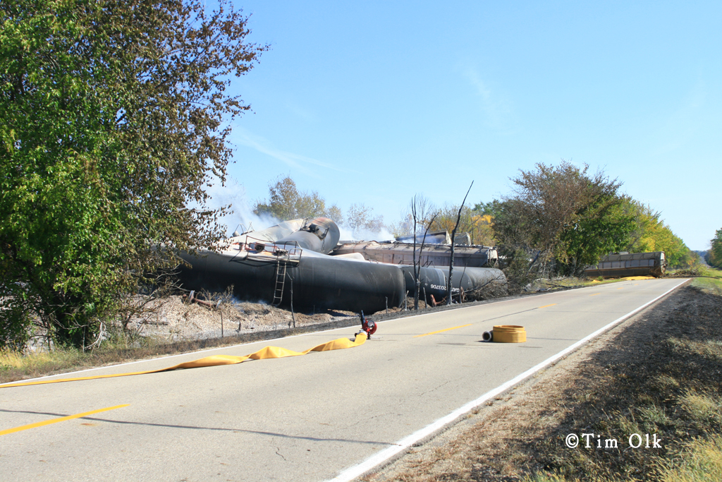 train derailed in Tiskilwa IL photo