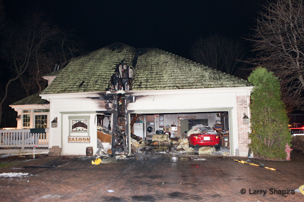 Barrington house fire 11-23-11 Weatherstone Road