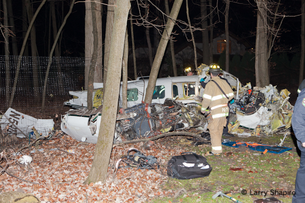 plane crash in Riverwoods IL 11-28-11