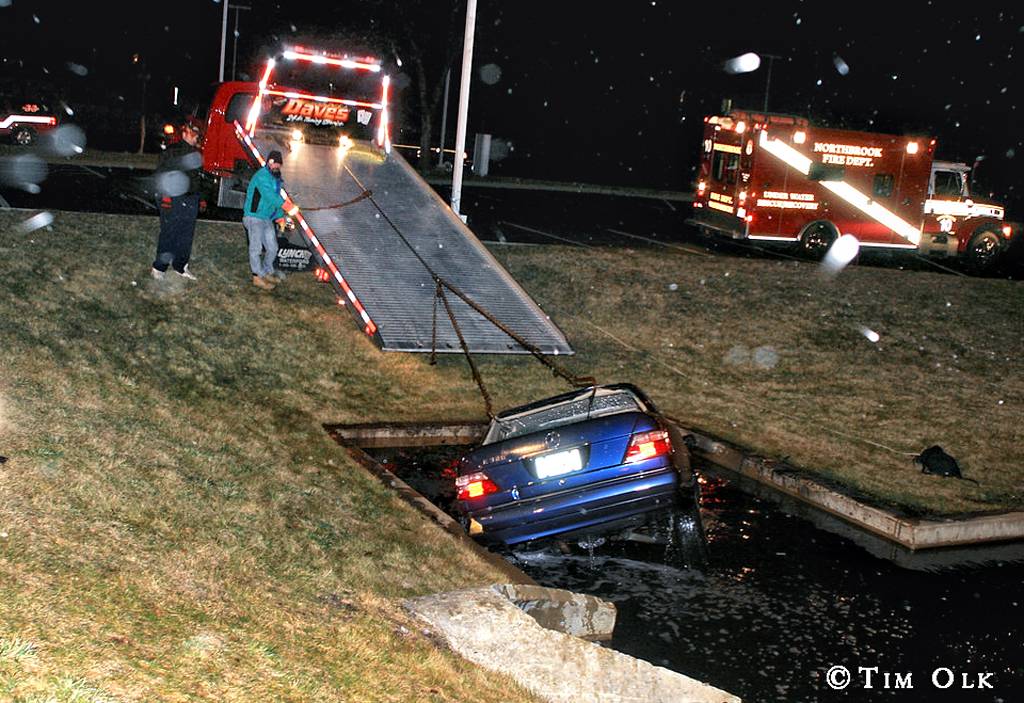 car into the pond in Deerfield 1-1-12