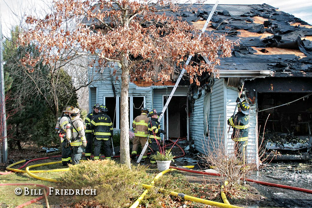 Downers Grove house fire 1-4-12 on Fairhaven Court