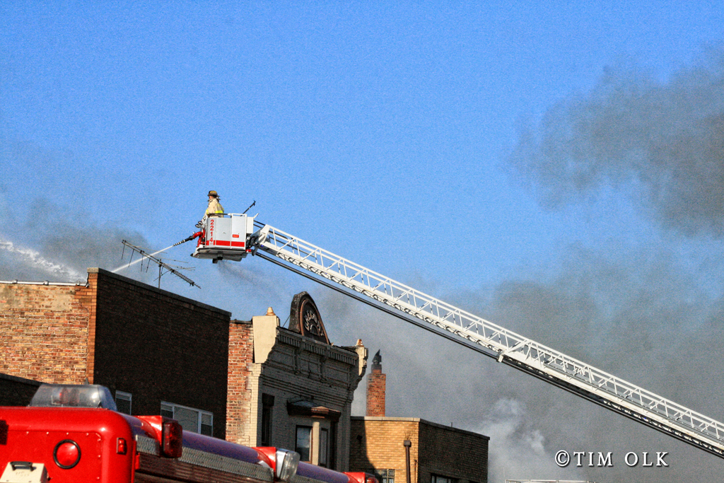 2-alarm commercial fire in Harvey IL 1-10-12
