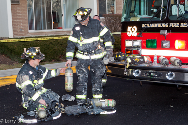 woman burned at Schaumburg apartment fire Valley Lake Drive 1-7-12