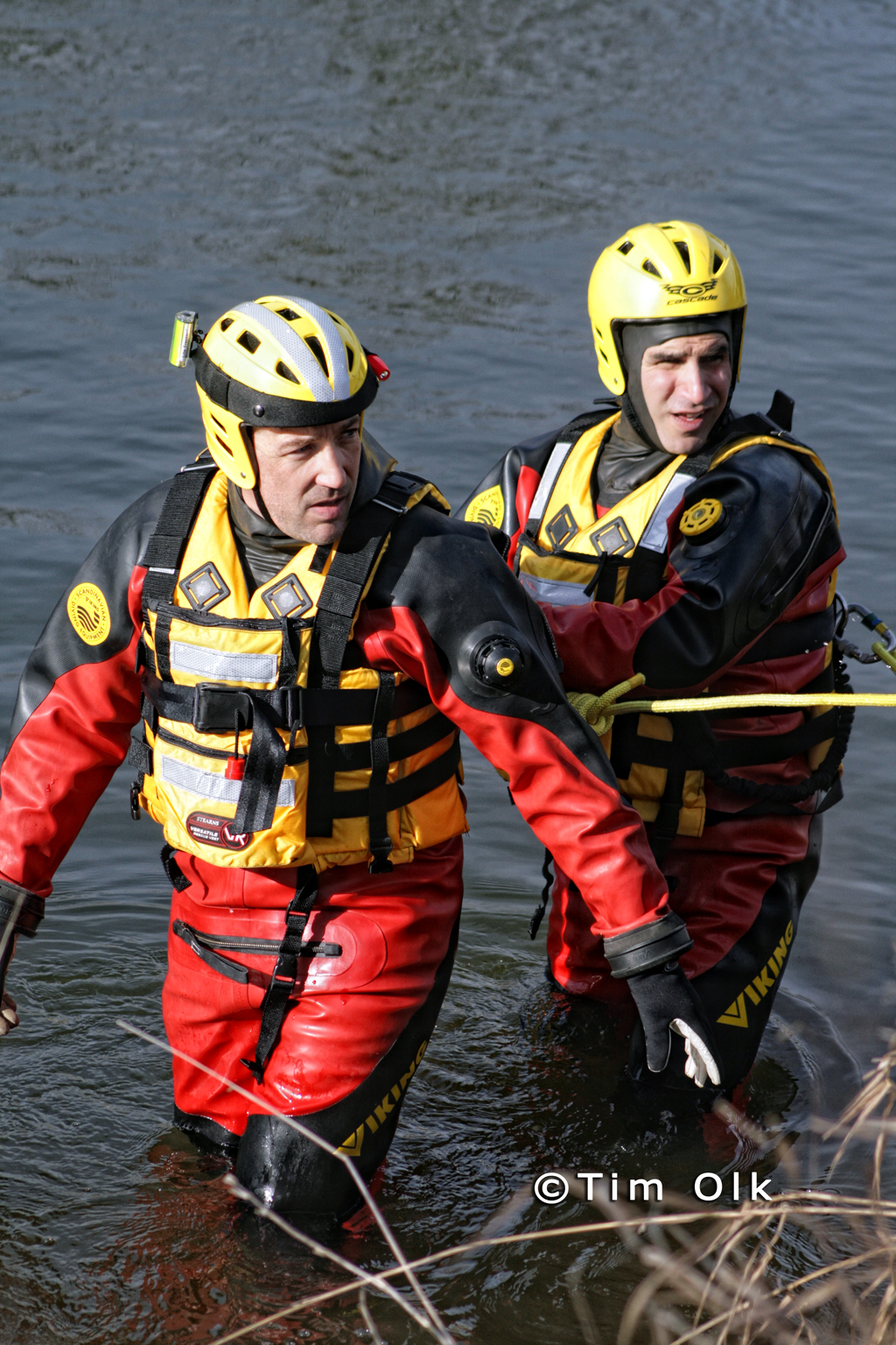 divers search the Des Plaines River for gun used in North Chicago