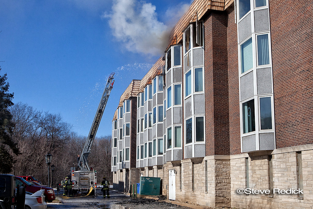 Park Ridge apartment fire Thames Parkway 2-12-12
