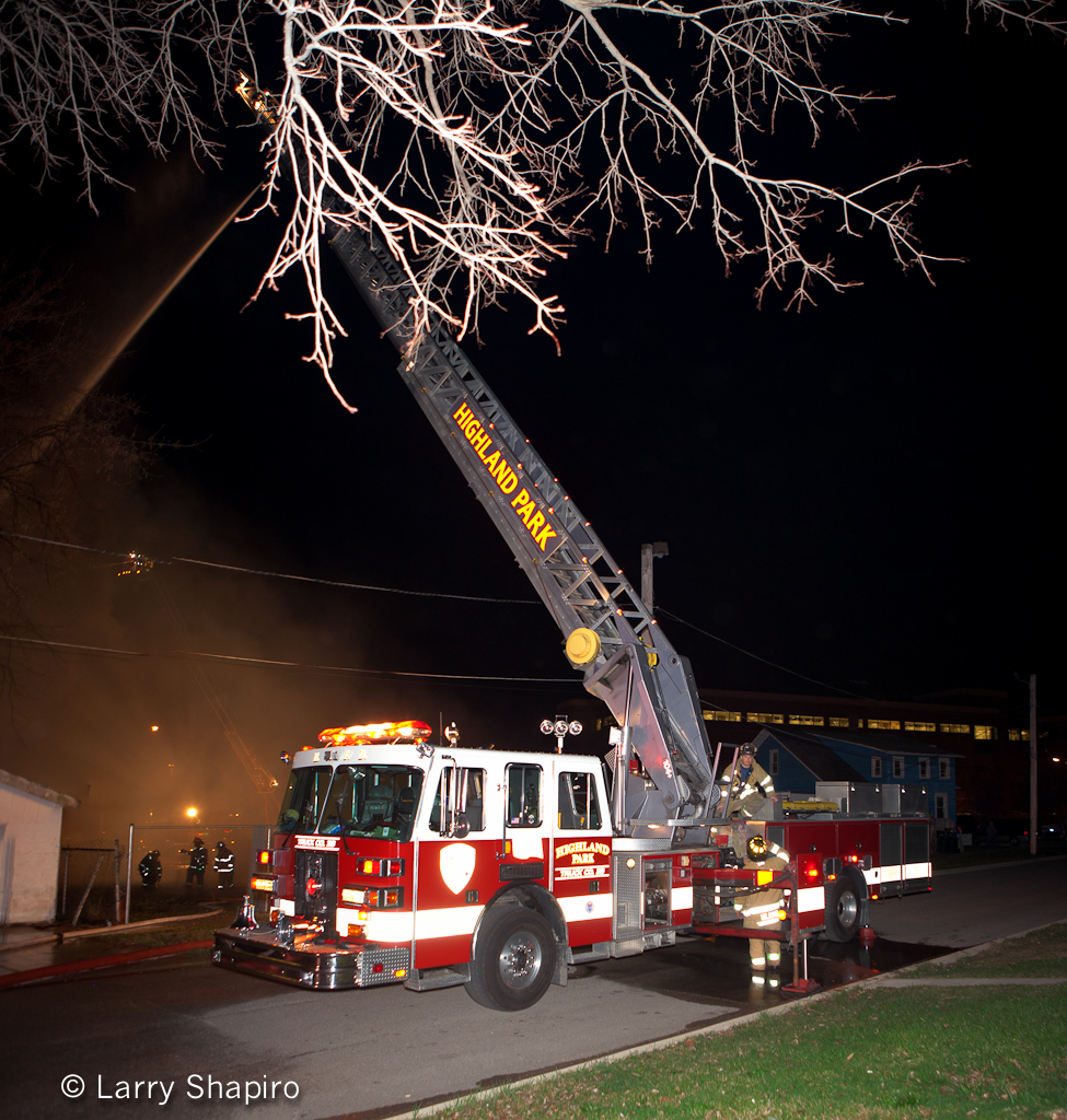 http://chicagoareafire.com/blog/2012/03/north-chicago-2-11-specials-3-18-12 Highland Park Fire Department