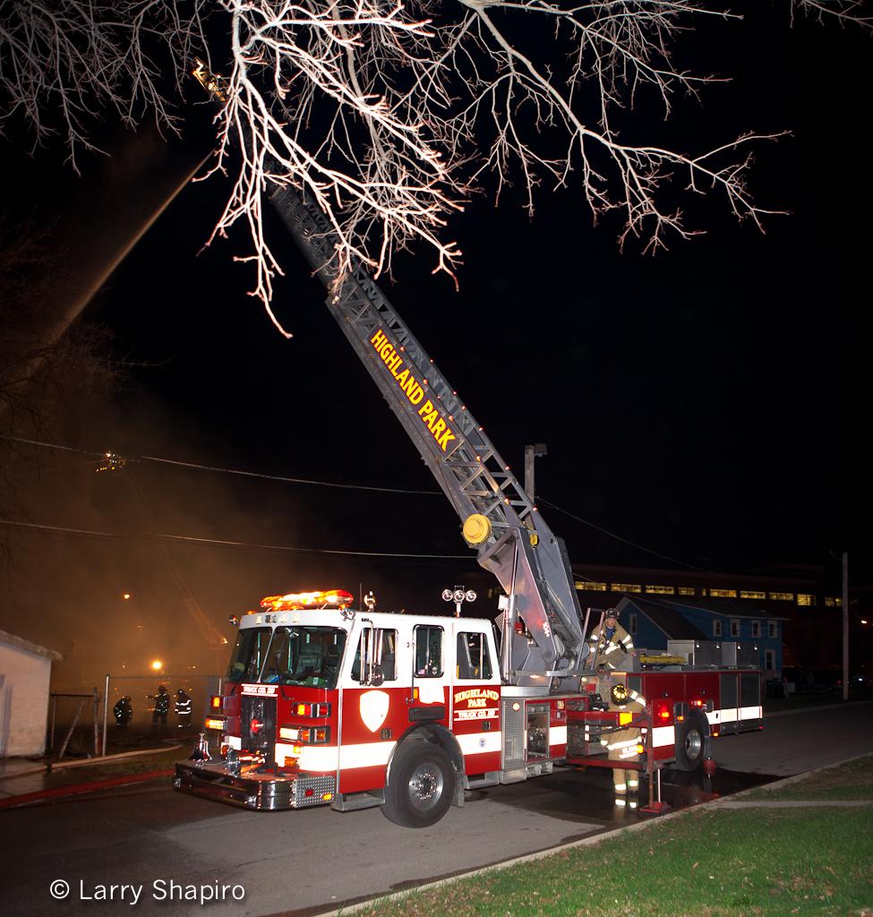 http://chicagoareafire.com/blog/2012/03/north-chicago-2-11-specials-3-18-12 Highland Park Fire Department