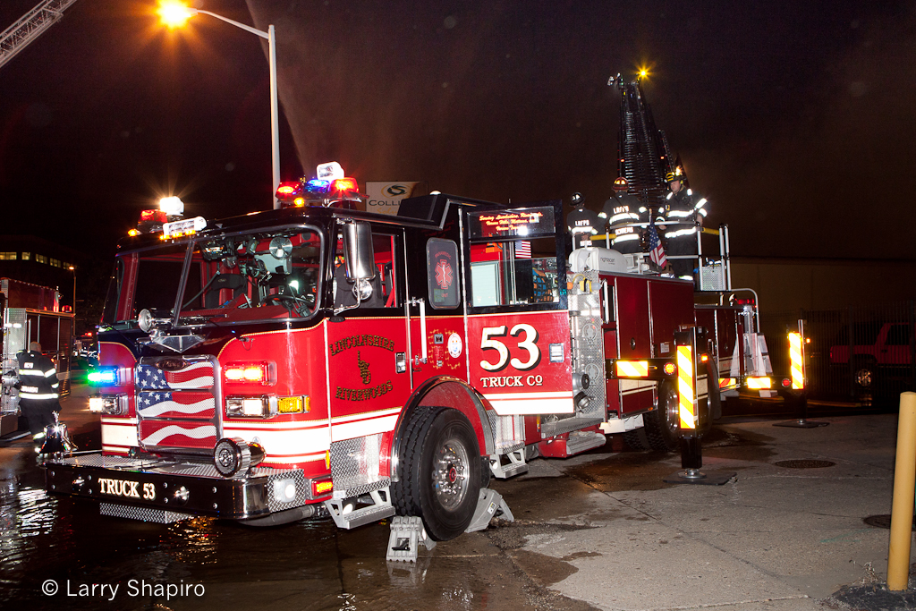 commercial building fire in North Chicago 3-18-12 fire department Lincolnshire-Riverwoods FPD