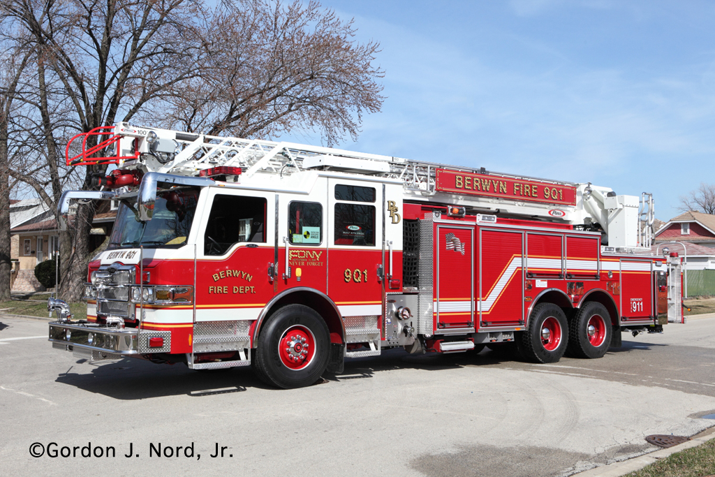 Berwyn Fire Department Pierce Quint 901 9Q1