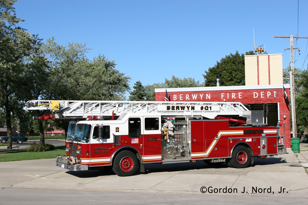 Berwyn Fire Department Seagrave Quint 901 9Q1
