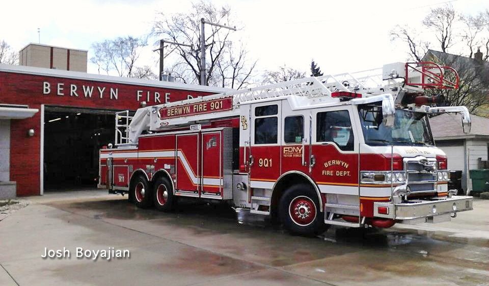 Berwyn Fire Department Pierce PUC 100' quint 901